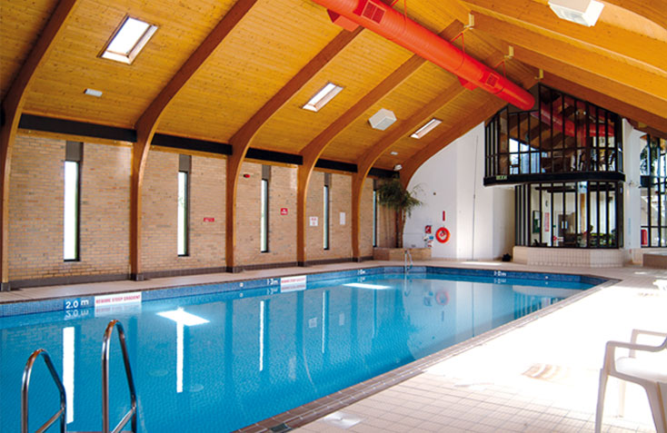 The maenporth estate holiday cottages near falmouth - Hotels with swimming pools cornwall ...